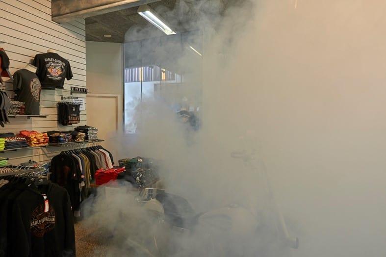 Туман безопасности защищает дорогие аксессуары Harley-Davidson